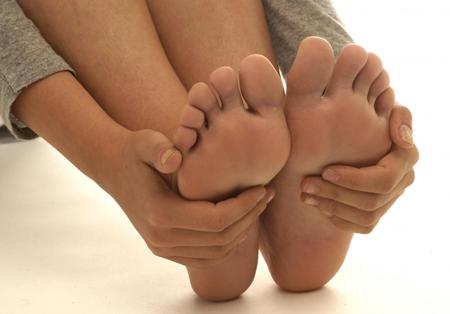 足の背屈と運動制限